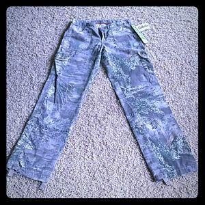 Cabela's Realtee Girl Cargo pants. Size 4